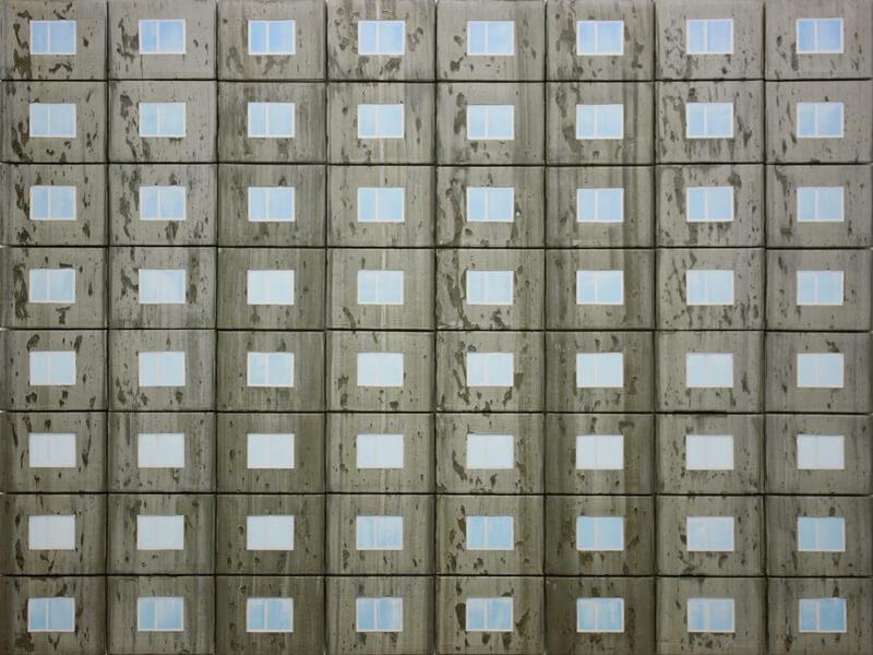 Ausstellung Kunst.off Plattenbau. WBS70-fünfzig Jahre danach, Bild: Hendrik Voerkel Fensterspiel
